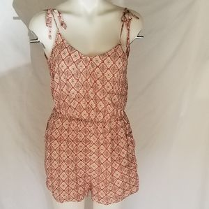 NWT Summer BCBG Romper (w/pockets)